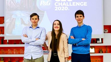 Natalia Wojtaszuk, Piotr Szulc i Wojciech Bronisz z warszawskiej Szkoły Głównej Handlowej