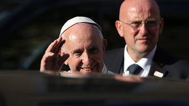 Pieniądze ze sprzedaży papieskiego lamborghini zostały przekazane na szczytny cel