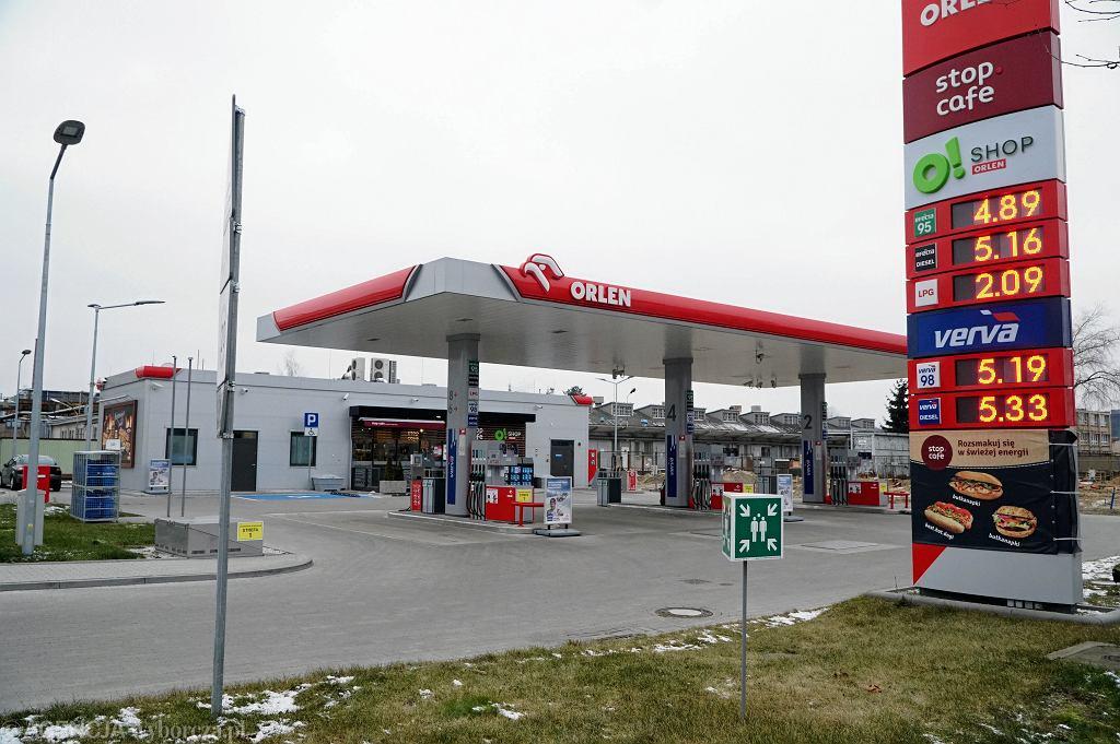 W związku z koronawirusem w Polsce Orlen zdecydował o maksymalnej obniżce cen paliw