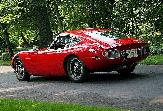 Auto zaprezentowane zostało w 1965 roku