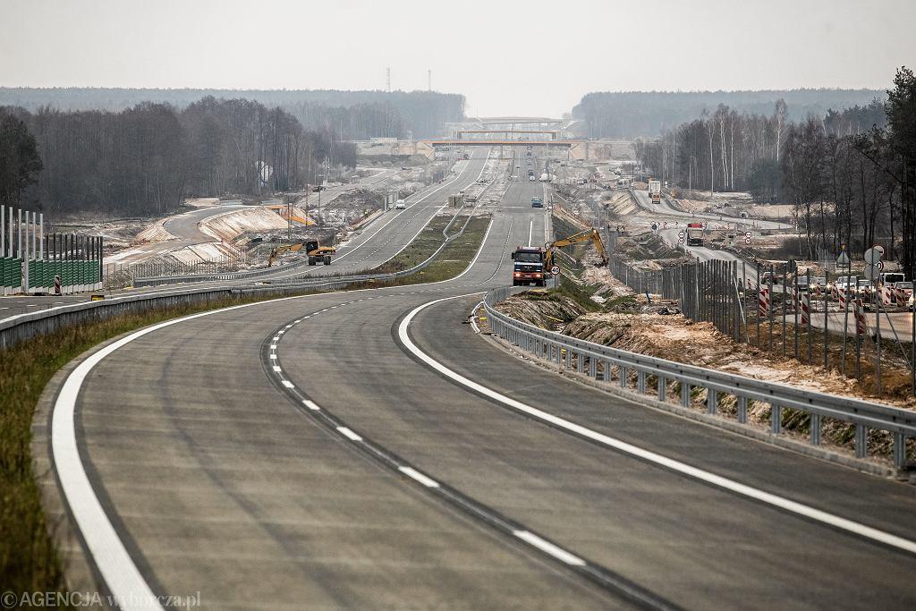 Budowa jednego z odcinków drogi szybkiego ruchu S17