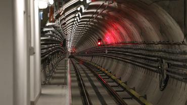 Mężczyzna wtargnął do tunelu metra