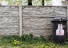 W Zawierciu afera. Pod domami ustawiono kosze na śmieci z napisem COVID-19
