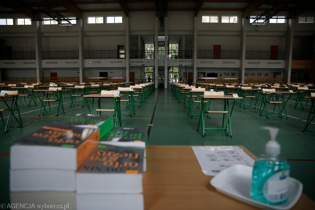 CKE opublikowała wytyczne ws. organizacji matur i egzaminu ósmoklasisty. Jak będą wyglądać?
