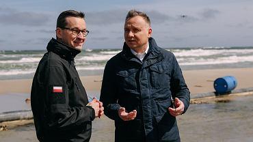 Prezydent i premier podczas wizyty na Mierzei Wiślanej