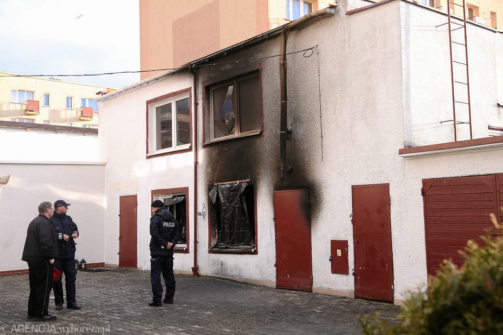 Koszalin. Budynek escape roomu, w którym doszło do pożaru