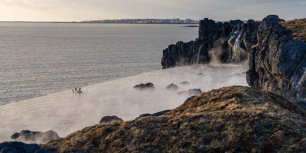 Islandia ma nową, niezwykłą atrakcję. Laguna geotermalna z widokiem na ocean już otwarta