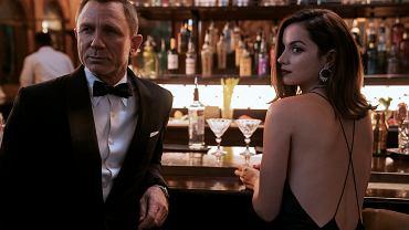 Daniel Craig i Ana de Armas, jako James Bond i Paloma w filmie 'Nie czas umierać'