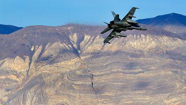 Myśliwiec F/A-18 w rejonie wypadku
