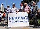 """Wybory parlamentarne 2019. Manifestacja przed siedzibą PO w Rzeszowie. """"Nie przenoście nam Ferenca do Warszawy"""""""