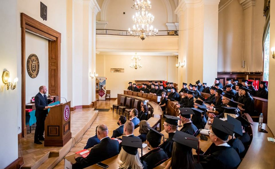 Rozdanie dyplomów ukończenia studiów MBA in Community Management