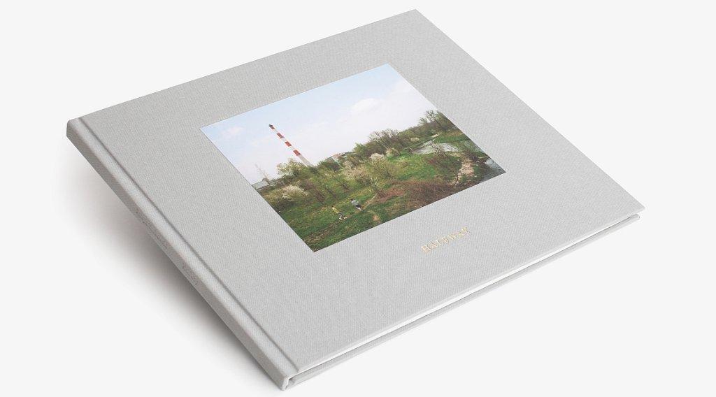 Okładka książki fotograficznej Patryka Karbowskiego