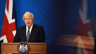 Boris Johnson na konferencji prasowej przy Downing Street