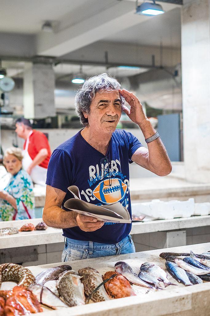 Stoiska na Mercato San Benedetto w Cagliari
