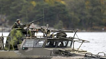 Marynarka wojenna Szwecji patroluje archipelag sztokholmski. Jesienią 2014 r. szwedzcy wojskowi alarmowali o 'obcej aktywności podwodnej', prawdopodobnie rosyjskiej