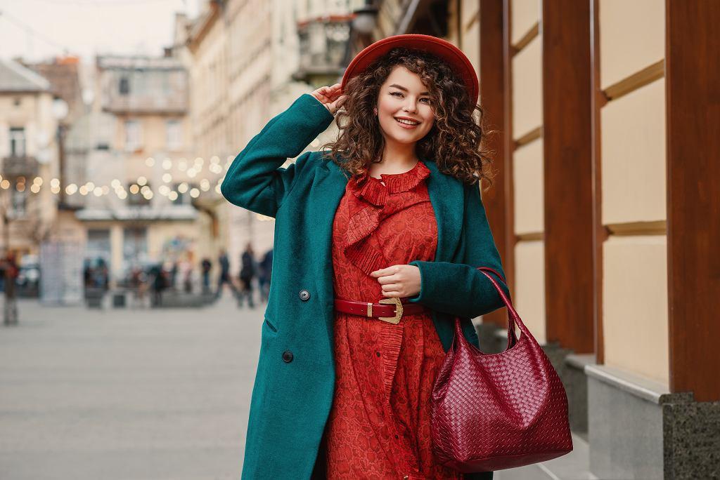 Sukienki jesienne. Zdjęcie ilustracyjne