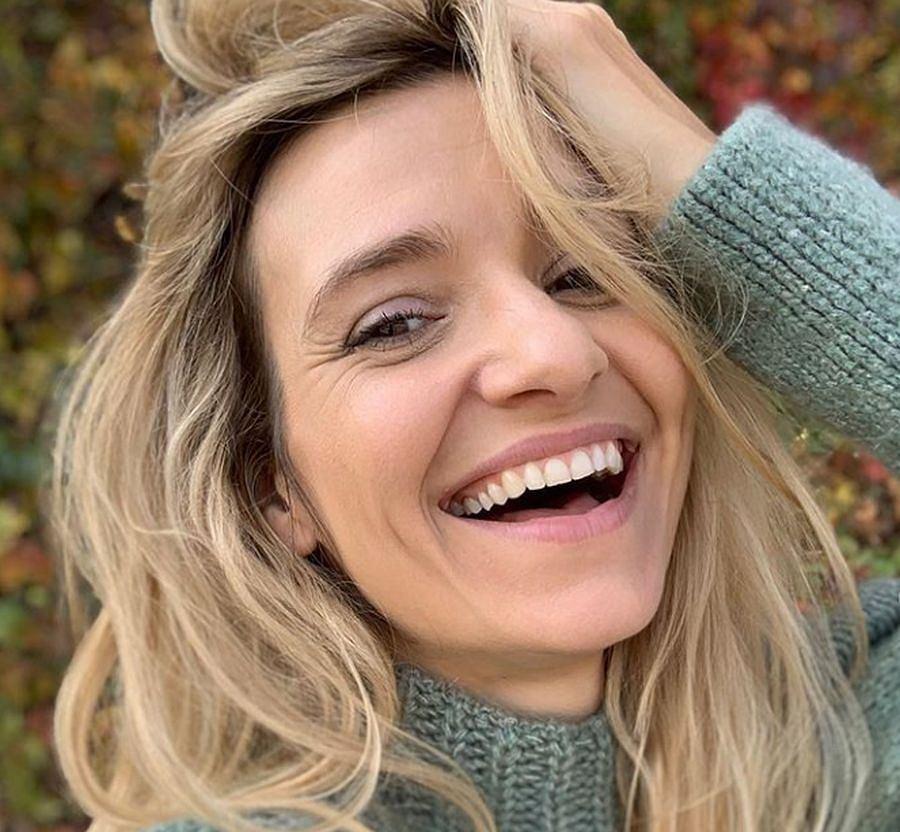 Joanna Koroniewska zachwyca zachwyca w supermodnym futerku. To model polskiej marki. Znamy jego cenę