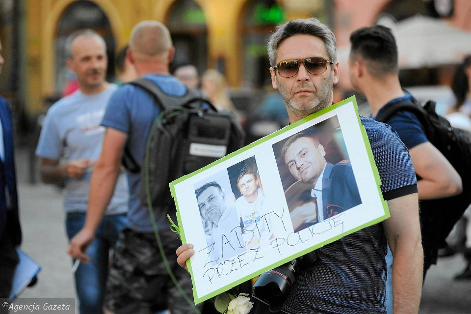 Marsz przeciwko brutalności policji po śmierci Igora Stachowiaka na komisariacie we Wrocławiu