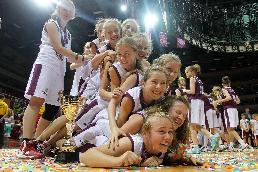 Wielki finał ENERGA Basket Cup w 2013 roku - zawodniczki SP nr 45 w Sosnowcu