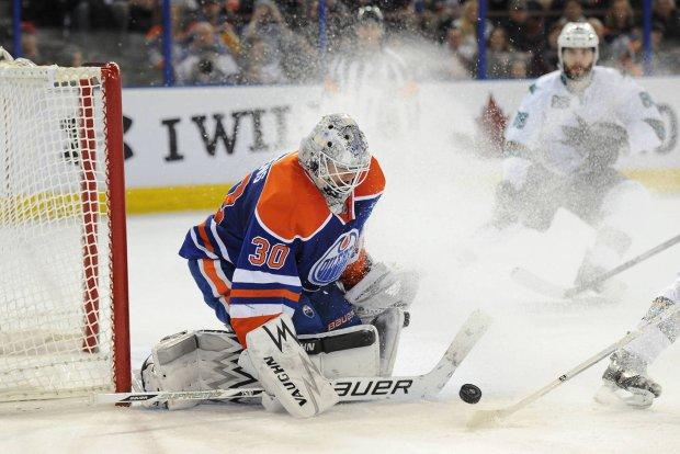 """NHL. Niesamowity rekord bramkarza Edmonton Oilers. """"Jak bohater filmu o zombie"""""""
