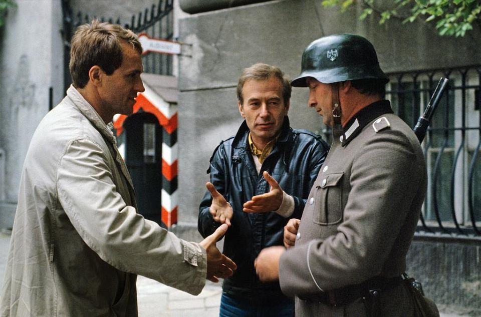 Scena z serialu 'Śmieciarz' w reż. Jacka Butrymowicza