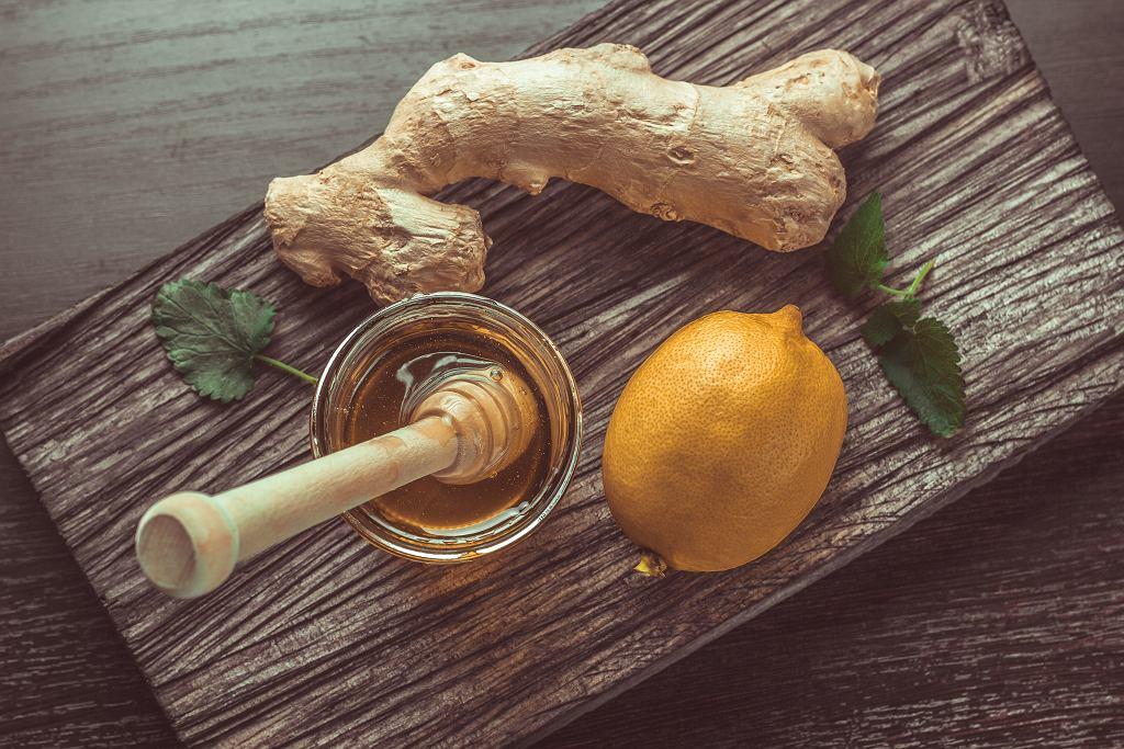 Herbata z imbirem to remedium na przeziębienie.