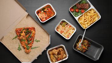 Jedzenie z dostawą do domu jest coraz popularniejsze