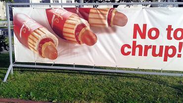 Ulice w Polsce pełne są reklam