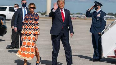 Donald Trump z żoną Melanią przed ostatnim lotem Air Force One.