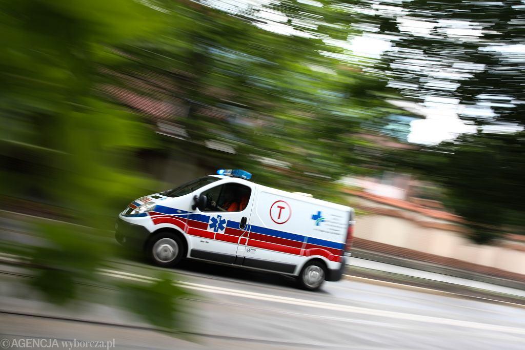 Łódź. 1,5-roczne dziecko wypadło z okna. Test wykazał, że ma koronawirusa (zdjęcie ilustracyjne)