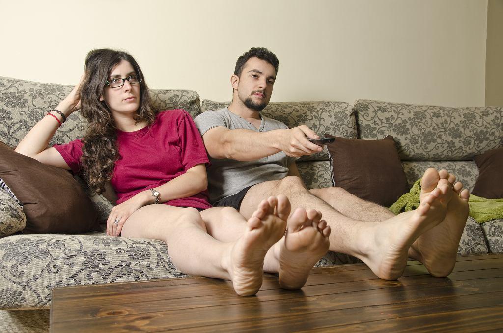 Jak domowa izolacja może wpływać na związki?