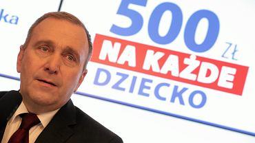 """Grzegorz Schetyna podczas konferencji prasowej dotyczącej programu """"Rodzina 500+"""""""