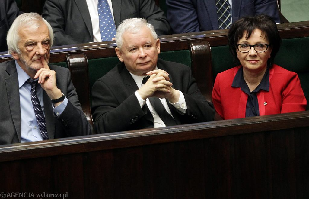 Elżbieta Witek w towarzystwie Ryszarda Terleckiego i Jarosława Kaczyńskiego