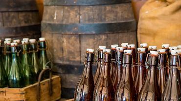 Francja: 10 milionów litrów piwa do kosza. Piwosze załamują ręce