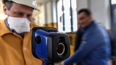 Kopalnia Piast Polskiej Grupy Górniczej, kamera termowizyjna wykorzystywana jako drugi element do wykrywania zakażonych koronawirusem. Zdjęcie z 20 marca 2020 r.