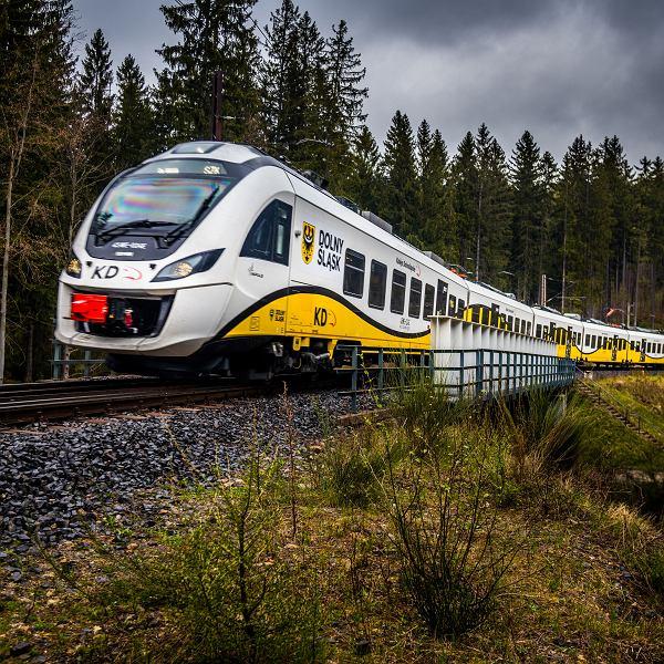 Pociąg Kolei Dolnośląskich