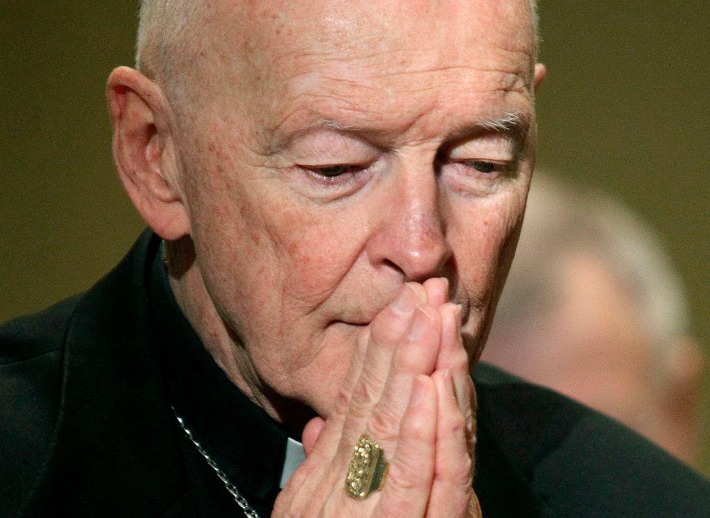 Były arcybiskup Nowego Jorku i Waszyngtonu 87-letni kardynał Theodore McCarrick został oskarżany o molestowanie seksualne
