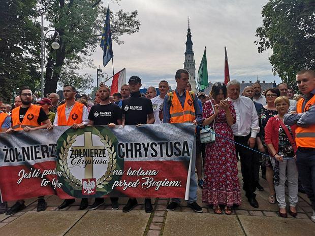 Pod Jasną Górą modlitwa w intencji nawrócenia uczestników Marszu