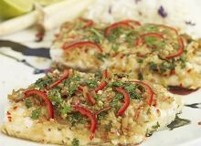 Ryba barramundi z trawą cytrynową, kolendrą, sosem sojowym i chili - ugotuj