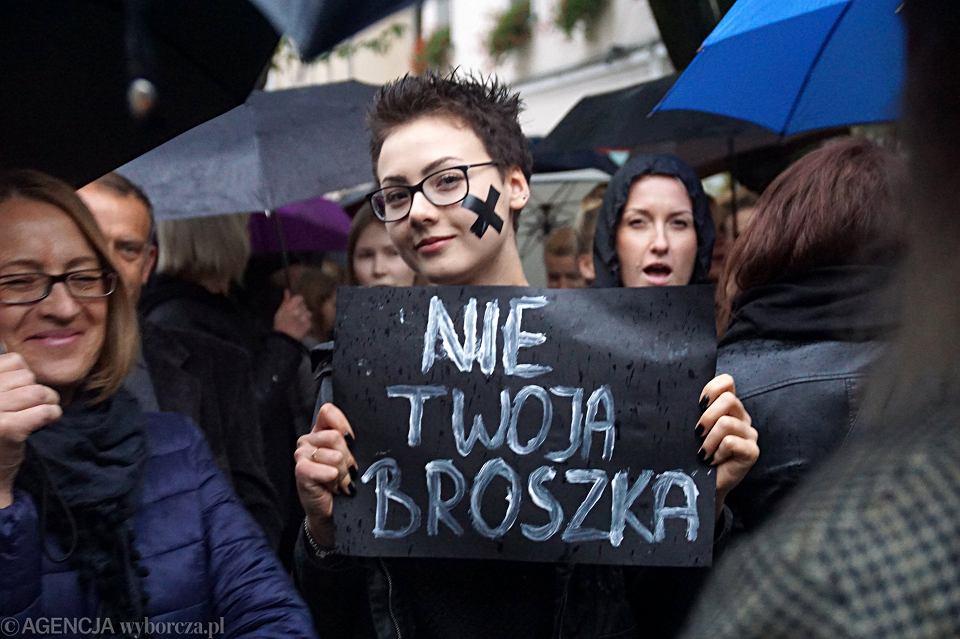 Zdjęcie numer 77 w galerii - Czarny protest w Zielonej Górze: