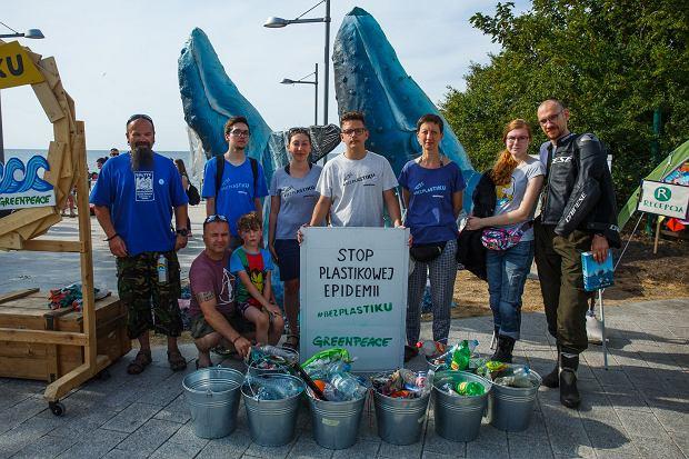 Międzyzdroje. Zbiórka śmieci zorganizowana przez Greenpeace