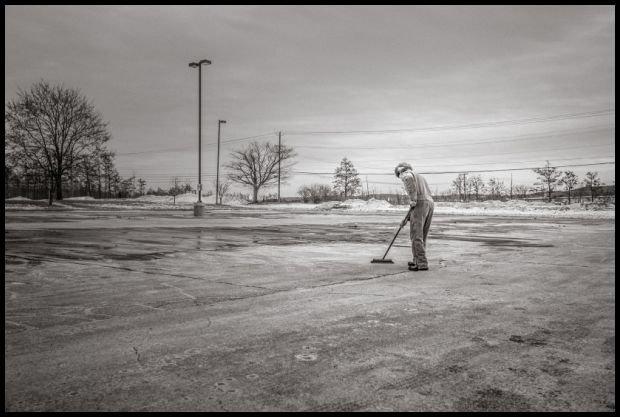 Ptaszynko, popatrz, wszystko sprzątnąłem, nawet parking pozamiatałem, tylko dla Ciebie...