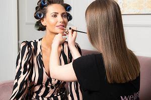 Makijaż na wesele - jakich kosmetyków użyć i jak go wykonać? By to sprawdzić, oddałyśmy się w ręce specjalistów