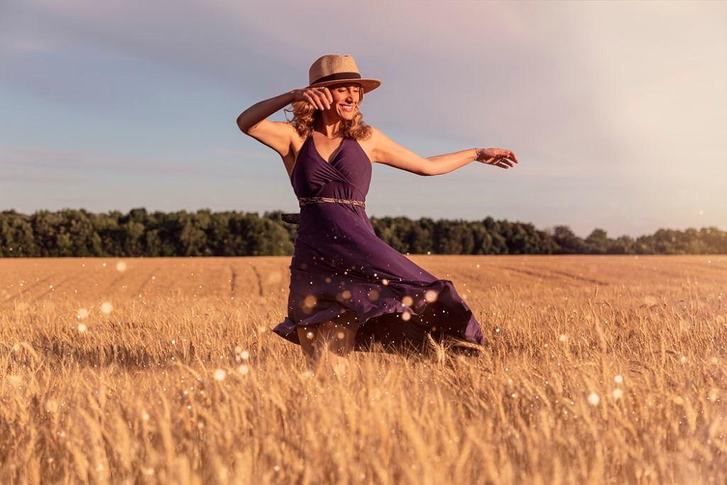 sukienka na lato, zdjęcie ilustracyjne