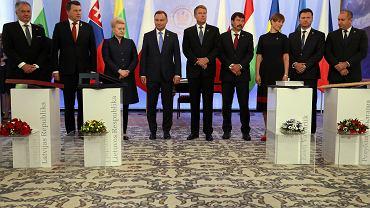 Prezydent Andrzej Duda podczas spotkania z przedstawicielami Bukaresztańskiej Dziewiątki