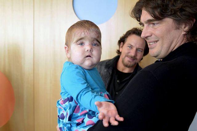 'Znalezienie lekarstwa to nie jest coś, co możemy zrobić - my musimy to zrobić' - powiedział Vedder