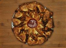 Pizza, która robi wrażenie. Prosta w przygotowaniu - ugotuj