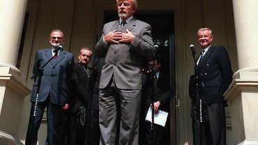 Ryszard Kukliński w Warszawie w 1998 r.