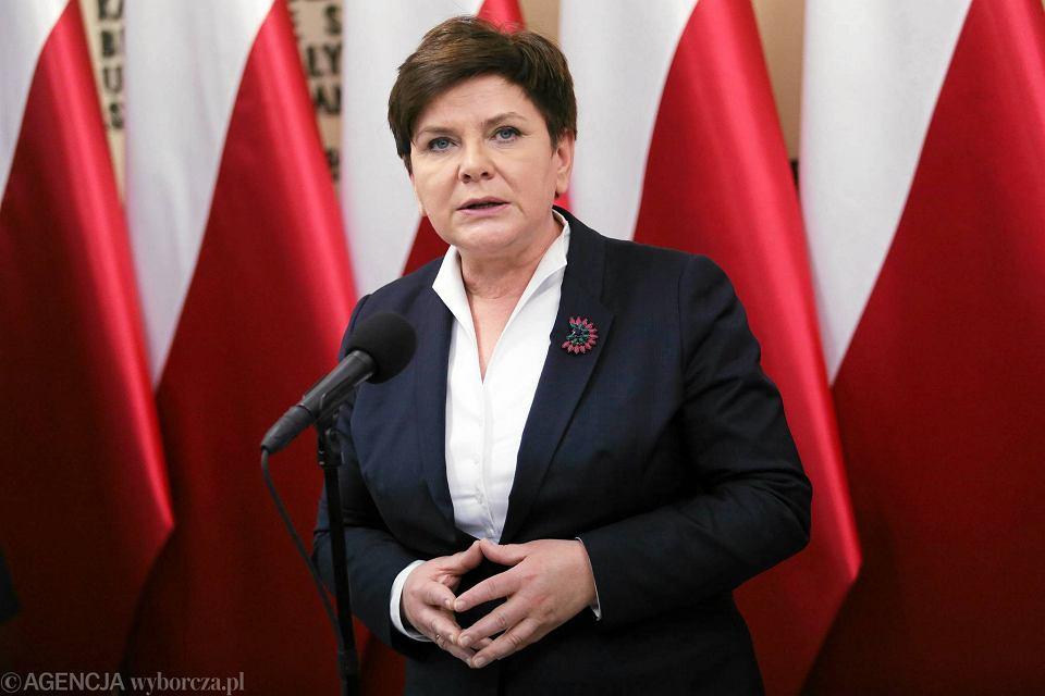 Zdjęcie numer 2 w galerii - Beata Szydło przed prokuratorem? Doniesienie w sprawie mowy nienawiści premier