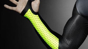 Strój dla biegaczy Nike Pro Turbospeed. Mini-dołeczki na powierzchni materiału mają zmniejszać opór powietrza.